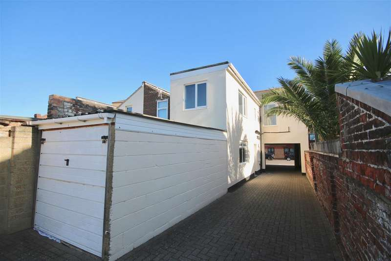 2 Bedrooms Block Of Apartments Flat for sale in Collingwood Road, Southsea