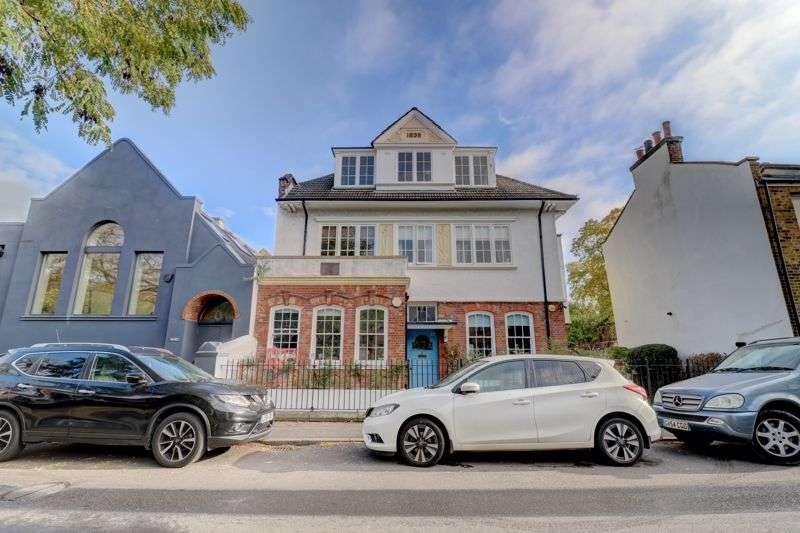 2 Bedrooms Property for sale in Watsons Street, London