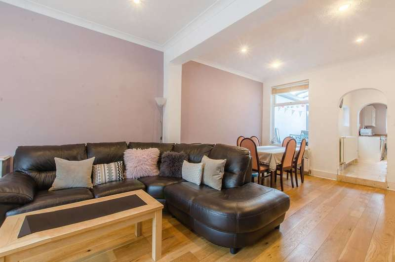 3 Bedrooms Terraced House for sale in Churchfields Road, Beckenham, BR3