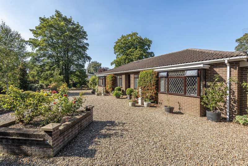3 Bedrooms Detached Bungalow for sale in Stanhope Road, Horncastle, Lincs, LN9