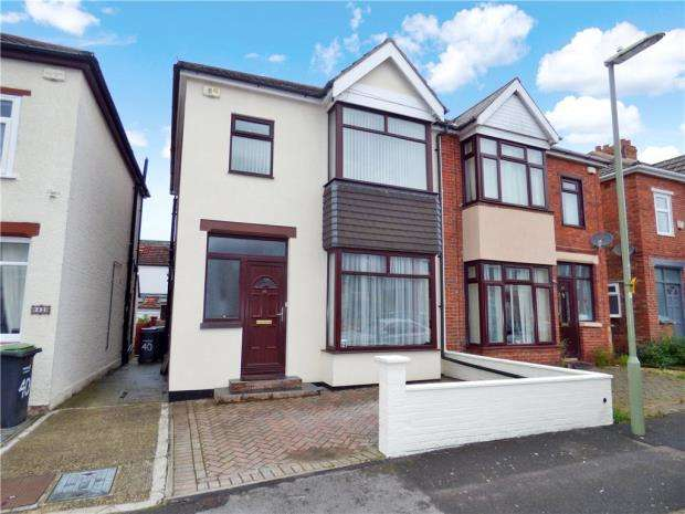 3 Bedrooms Semi Detached House for sale in Kensington Road, Gosport, Hampshire