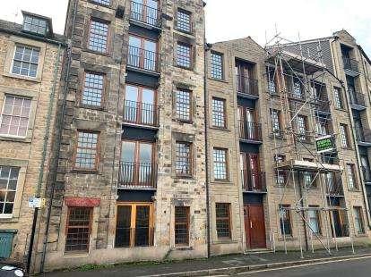 2 Bedrooms Flat for sale in Riverside Lofts, St. Georges Quay, Lancaster, Lancashire, LA1