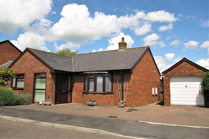 3 Bedrooms Property for sale in Knowle Close, Cullompton
