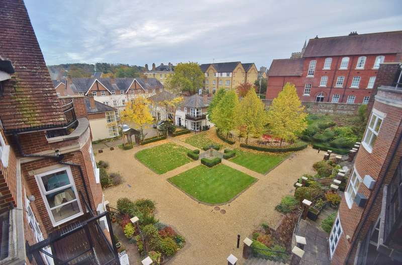 2 Bedrooms Flat for sale in Hyde (Winchester)