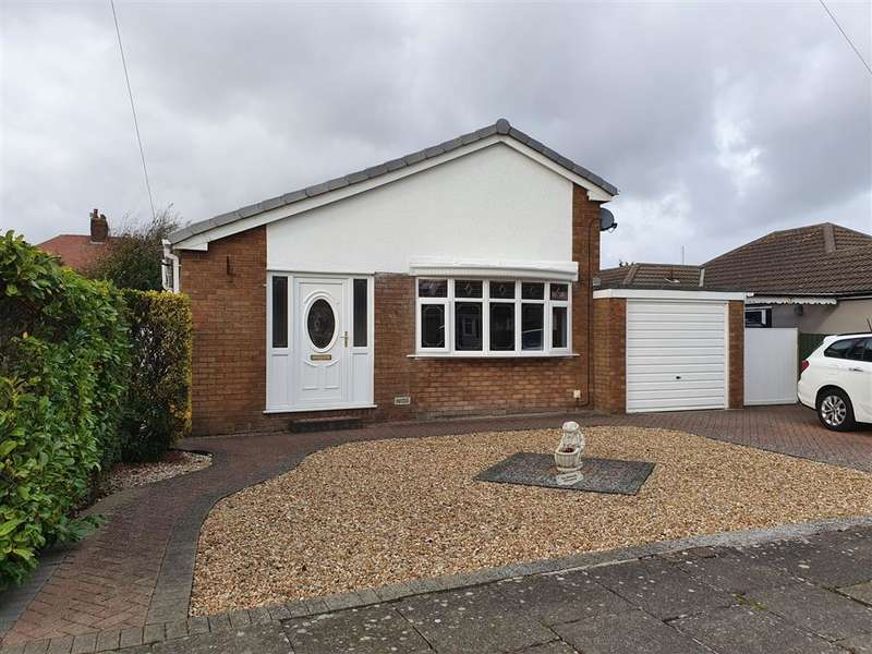 3 Bedrooms Detached Bungalow for sale in Rosemary Avenue, Thornton, FY5 2RE