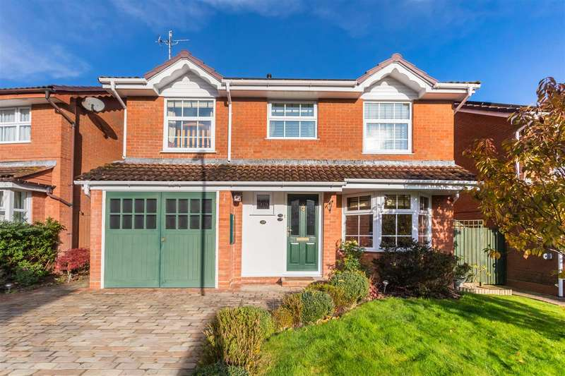4 Bedrooms Detached House for sale in The Saffrons, Burgess Hill