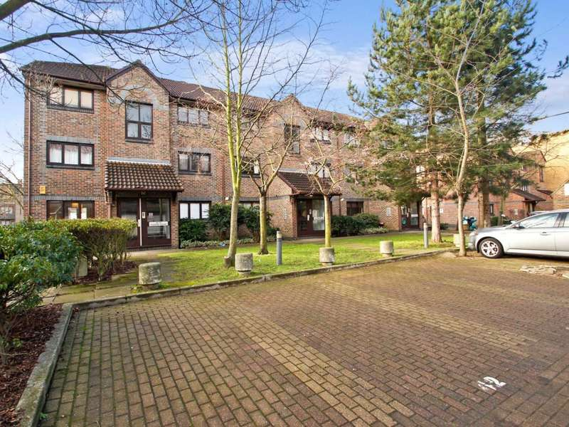 1 Bedroom Flat for sale in Transom Square, Isle of Dogs E14