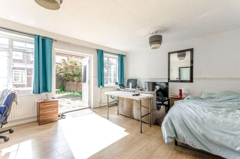4 Bedrooms Terraced House for sale in Swedenborg Gardens, Shadwell, E1