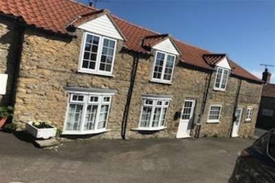 2 Bedrooms Cottage House for rent in High Street, Snainton