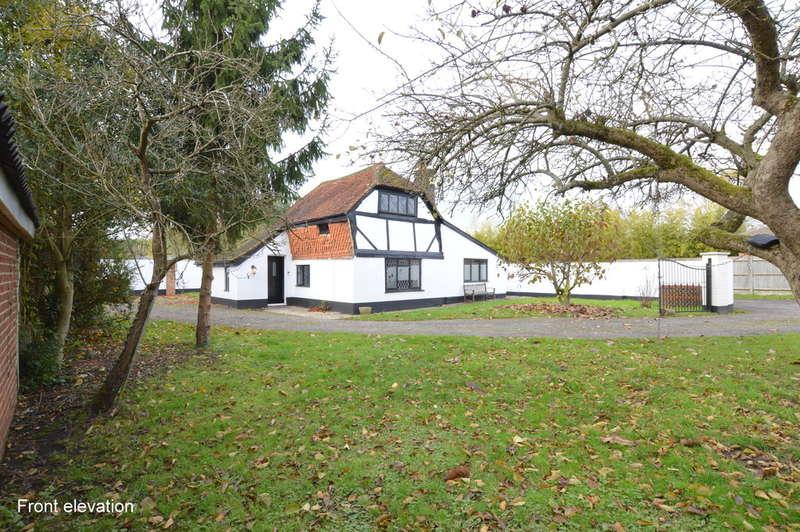 3 Bedrooms Detached House for rent in Reigate Road, Hookwood