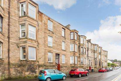 2 Bedrooms Flat for sale in Springhill Road, Port Glasgow
