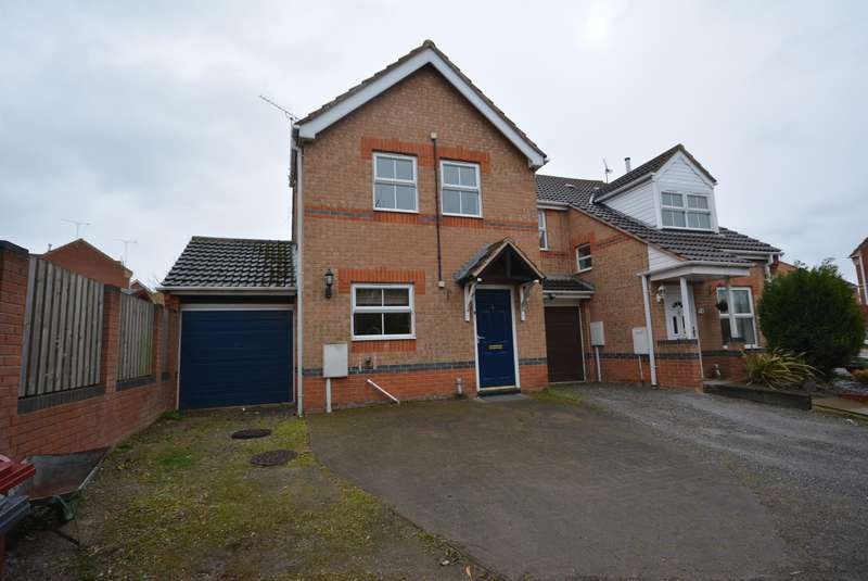 3 Bedrooms Semi Detached House for rent in Kestrel Close, Bolsover, Chesterfield, S44 6QH
