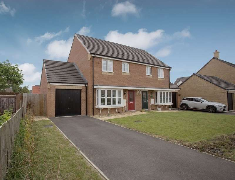 3 Bedrooms Semi Detached House for sale in Woburn Drive, Thorney, Peterborough, Cambridgeshire. PE6 0SN