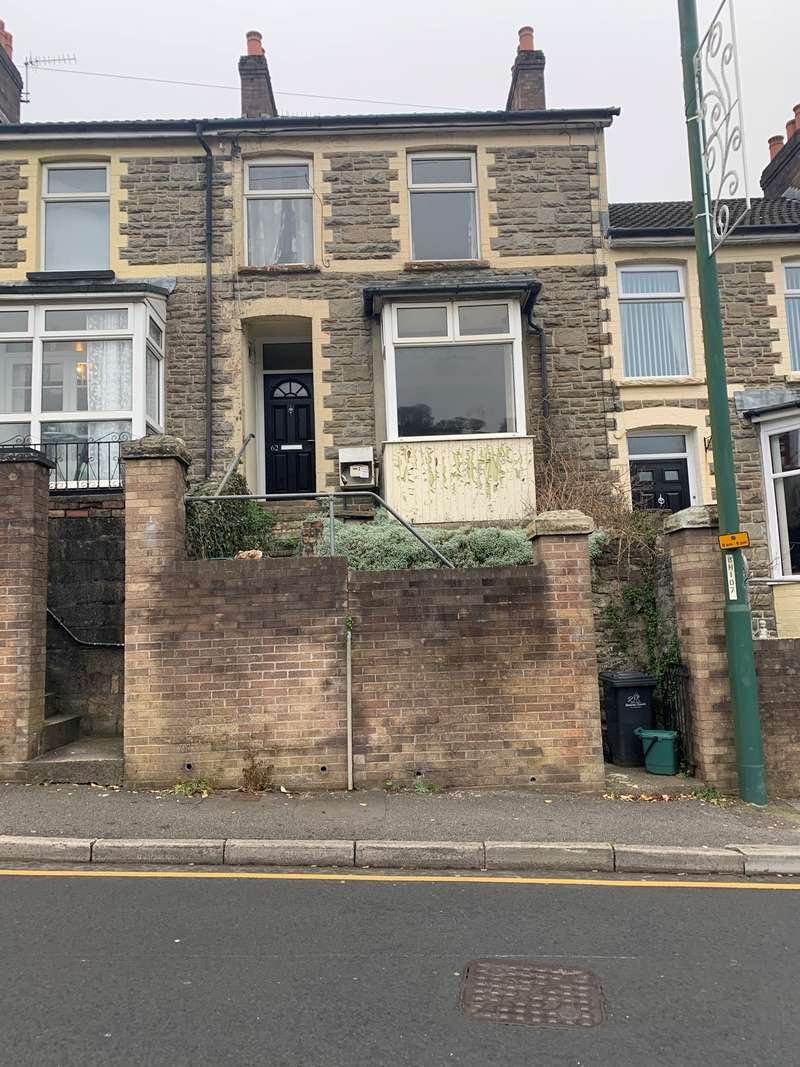 3 Bedrooms Terraced House for sale in Alexandra Road, Six Bells, Abertillery, NP13