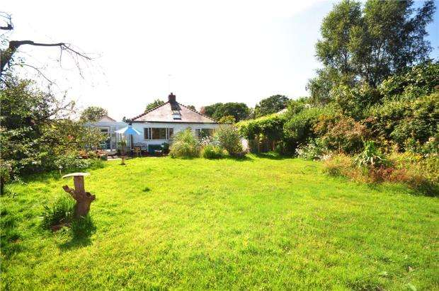 3 Bedrooms Detached Bungalow for sale in Brown Heath Road, Christleton, Chester