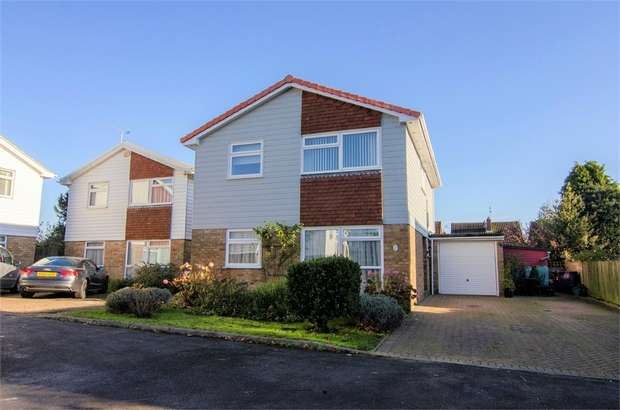 4 Bedrooms Detached House for sale in Park Close, Burgess Hill, West Sussex