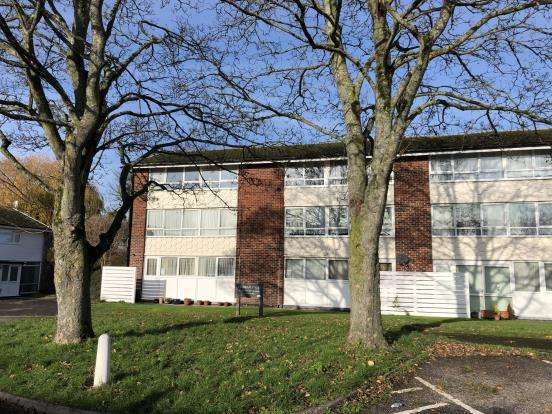 1 Bedroom Flat for sale in Havant, Hampshire