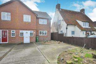 3 Bedrooms Semi Detached House for sale in Victoria Road, Littlestone, New Romney, Kent