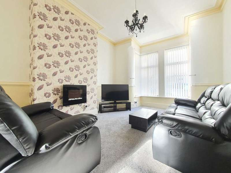 5 Bedrooms Serviced Apartments Flat for rent in Crystal Road, Blackpool