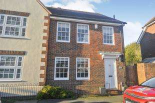 3 Bedrooms Semi Detached House for sale in The Green, Chartham, Canterbury, Kent