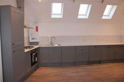 2 Bedrooms Flat for rent in Smithdown Road, L15