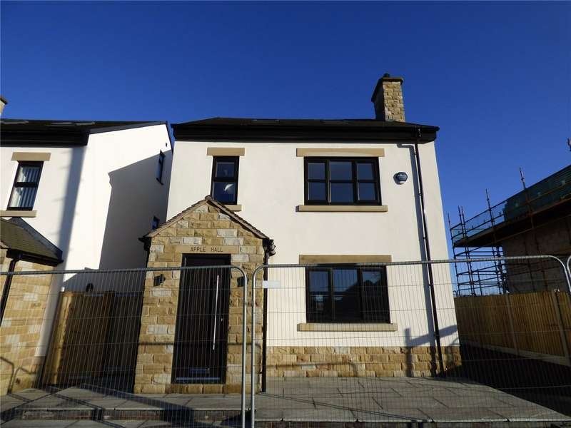 3 Bedrooms Detached House for rent in Shaw Road, Rochdale, Greater Manchester, OL16