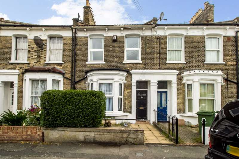 3 Bedrooms Terraced House for sale in Nutcroft Road, Peckham, SE15