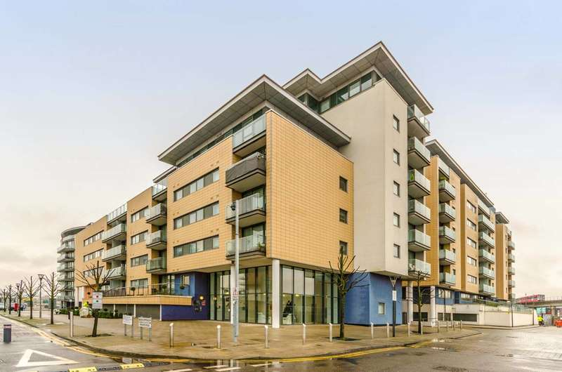 1 Bedroom Flat for sale in Windward Court, Gallions Reach, E16