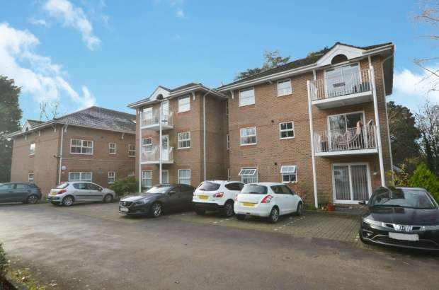 Apartment Flat for sale in Canada Place, Southampton, Hampshire, SO16 7NZ