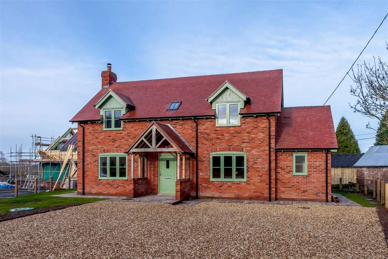 4 Bedrooms Detached House for sale in Brierley , Leominster, Herefordshire , HR6 0NT