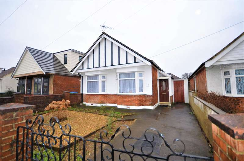 2 Bedrooms Detached Bungalow for sale in Avon Road, Southampton, SO18