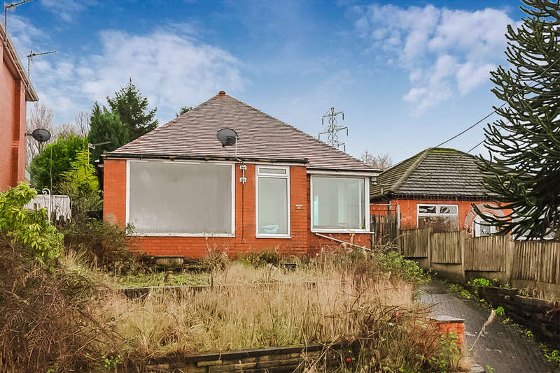 2 Bedrooms Detached Bungalow for sale in Ferney Field Road, Chadderton, Oldham