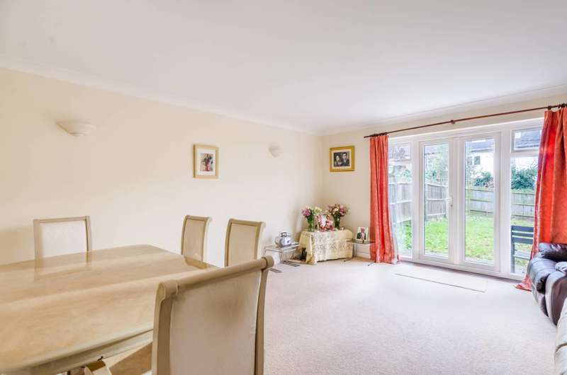 3 Bedrooms End Of Terrace House for sale in Guildersfield Road, Streatham Common, SW16