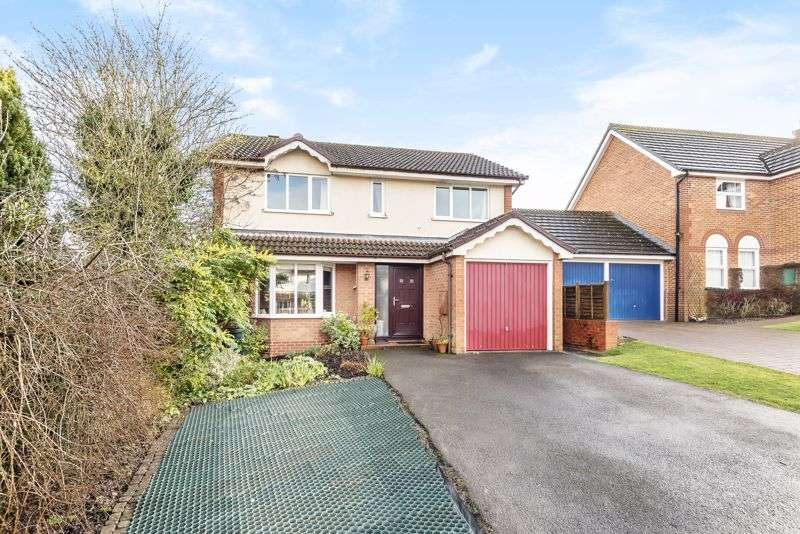4 Bedrooms Property for sale in Fontwell Drive, Alton, Hampshire
