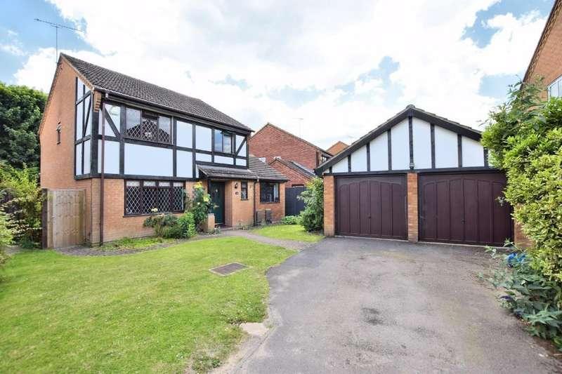 4 Bedrooms Detached House for sale in Pine Croft Road, Wokingham, RG41