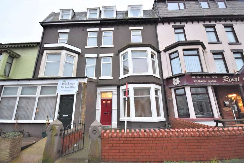 12 Bedrooms Terraced House for sale in Barton Avenue, Blackpool