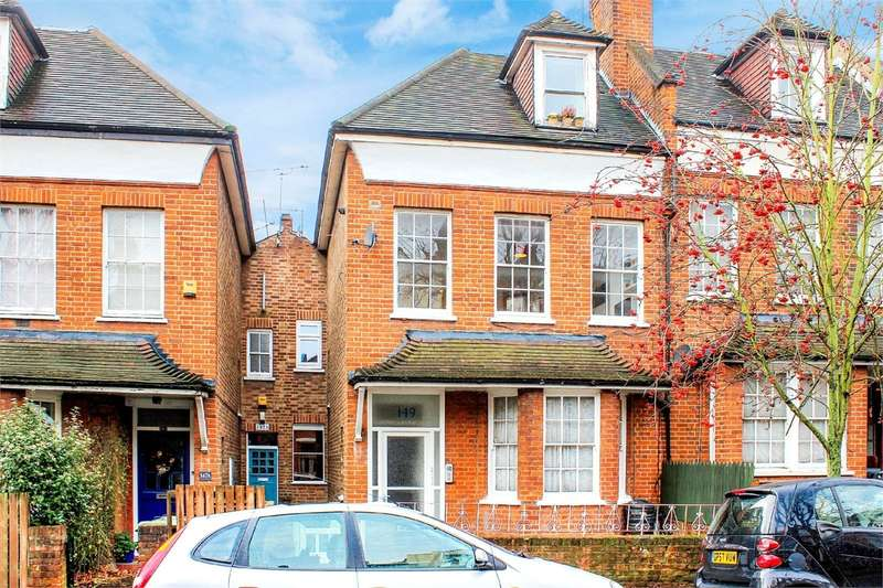 2 Bedrooms Flat for sale in Nelson Road, LONDON
