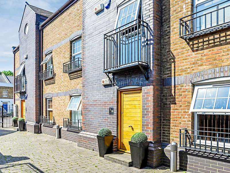 2 Bedrooms Flat for sale in Old Canal Mews, Peckham SE15