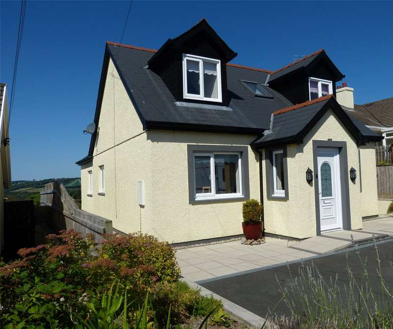3 Bedrooms Detached House for sale in Hafan Deg, North Road, Whitland, Carmarthenshire