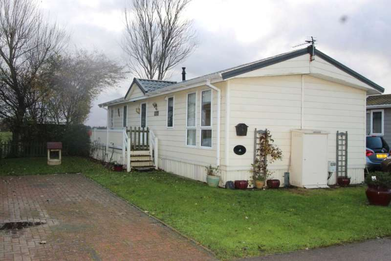 2 Bedrooms Bungalow for sale in Meadow View The Broadway, Minster On Sea, Sheerness, ME12