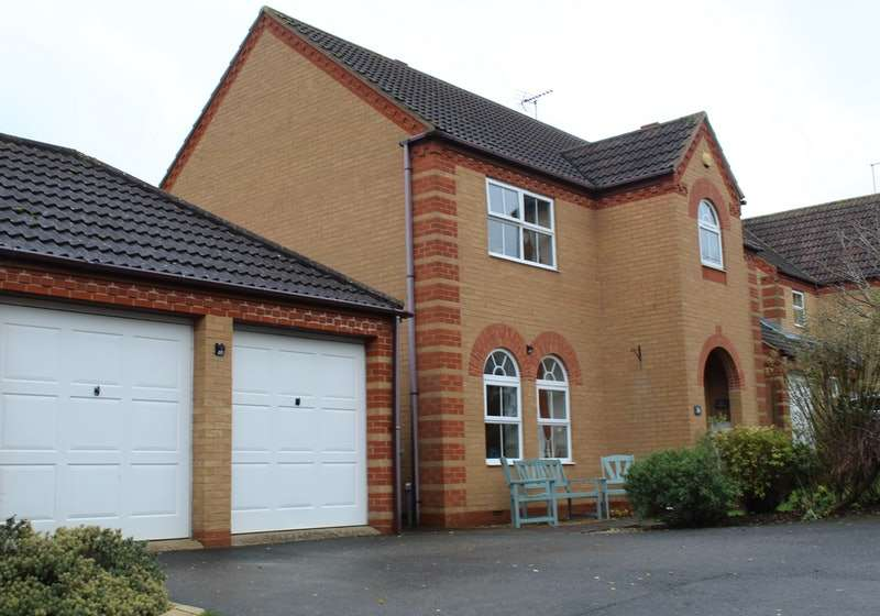 4 Bedrooms Detached House for sale in Swift Way, Bourne, Lincolnshire, PE10