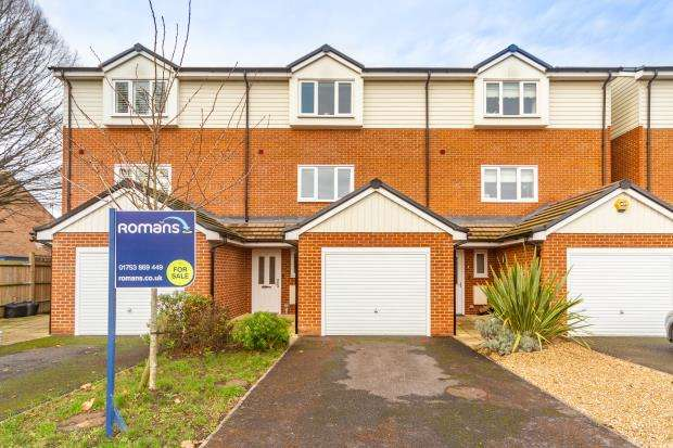 3 Bedrooms Terraced House for sale in Homers Road, Windsor, Berkshire