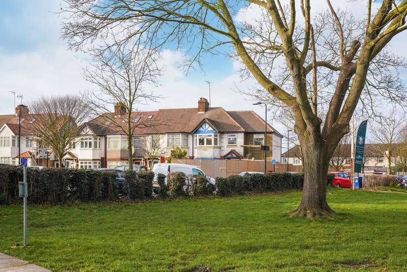 2 Bedrooms Ground Maisonette Flat for sale in Huxley Gardens, London, NW10