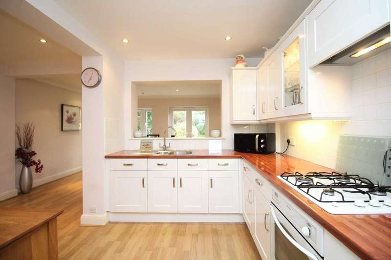 4 Bedrooms Semi Detached House for sale in CATCHMENT AREA OF HIGH ACHIEVING SCHOOLS