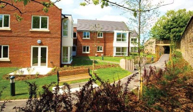 2 Bedrooms Property for sale in Woodock House, Larmenier Village, Blackburn: ** BENEFITS WITH A CLOAKROOM & DRESSING ROOM/STUDY