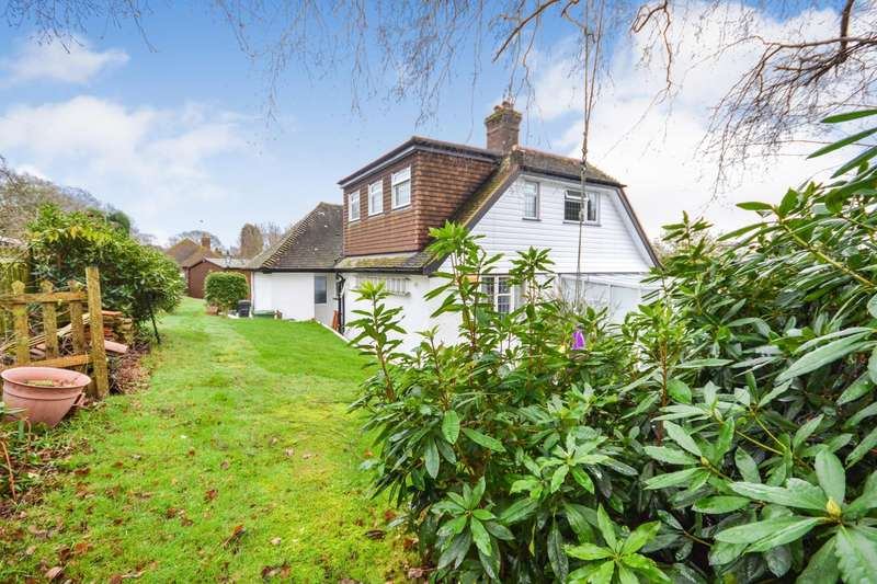 5 Bedrooms Detached Bungalow for sale in The Highlands, Bexhill-On-Sea, TN39