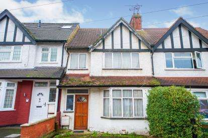 3 Bedrooms Terraced House for sale in Russell Road, London