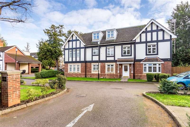 2 Bedrooms Penthouse Flat for sale in The Moorings, Aldenham Road, Bushey, WD23