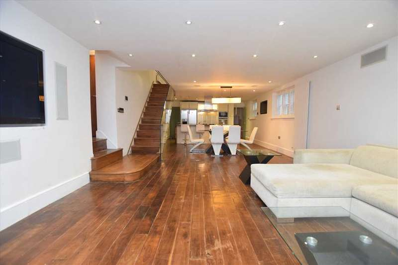 3 Bedrooms Detached House for sale in Helena Lodge, Augusta Walk, Ealing