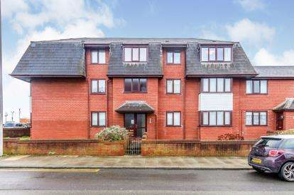 1 Bedroom Flat for sale in Norbreck Court, 2 Norcliffe Road, Blackpool, Lancashire, FY2